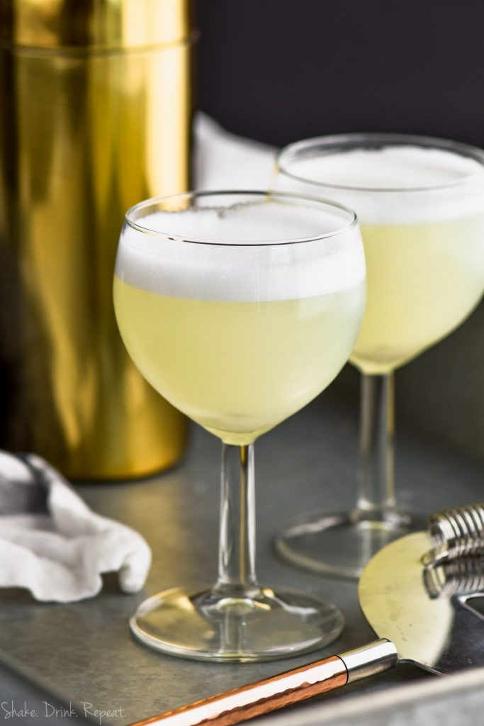 up close of glass of gin fizz recipe