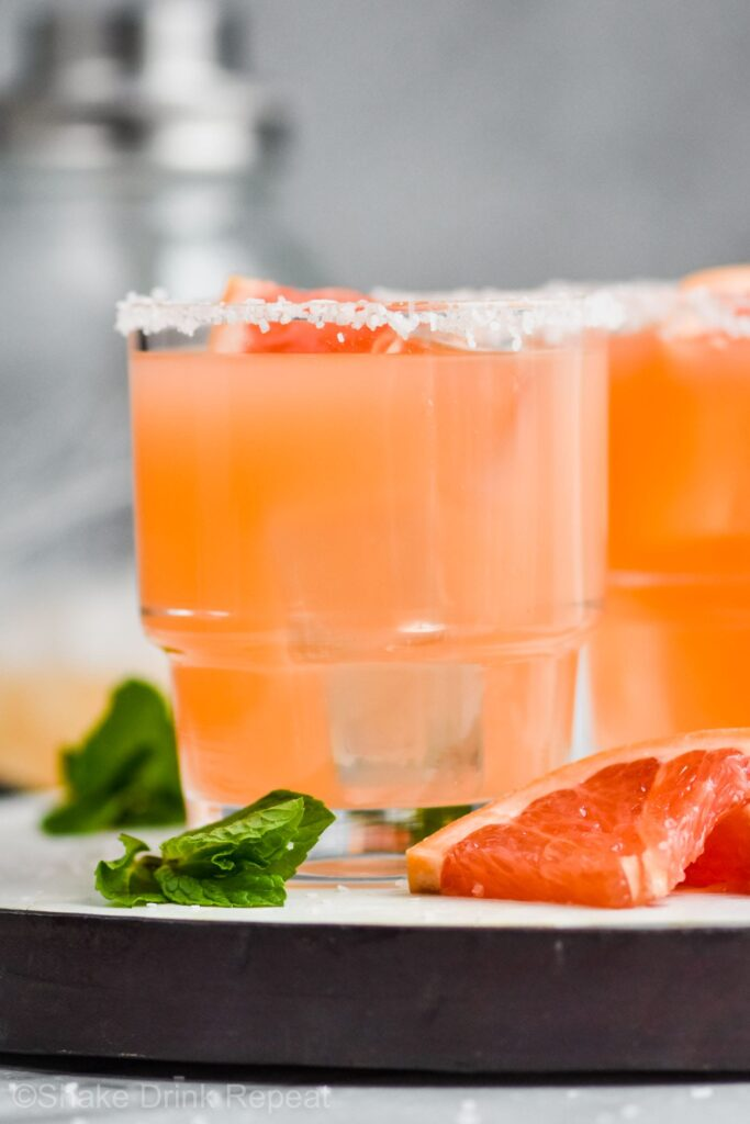 Salty Dog in a glass with grapefruit and mint